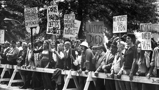 protesters-ford-pardon-53366725620.jpg