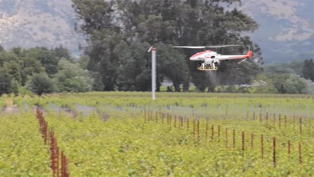 yamaha-rmax-helicopter-drone-crop-dusting-620.jpg