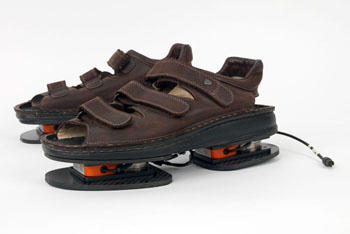nasa-space-shoes350.jpg