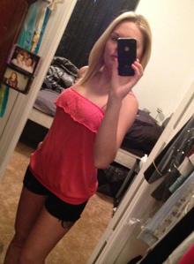 The selfie Kelli Bordeaux sent her sister