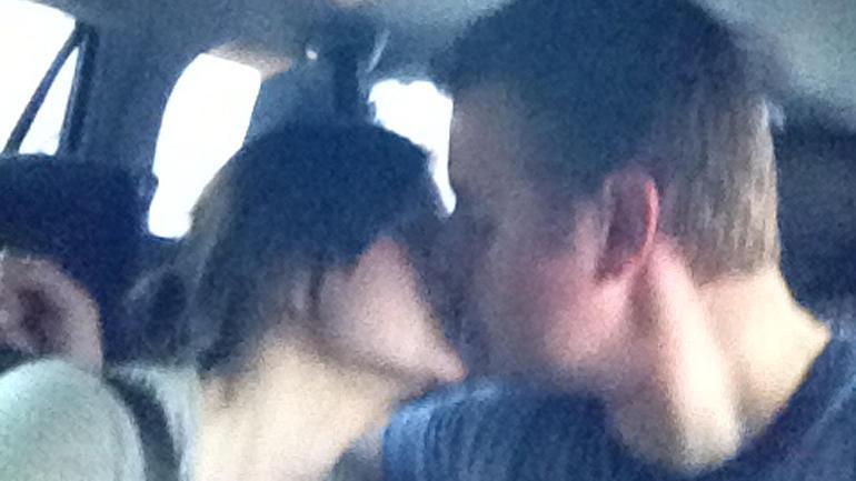 syrotchen-kiss.jpg