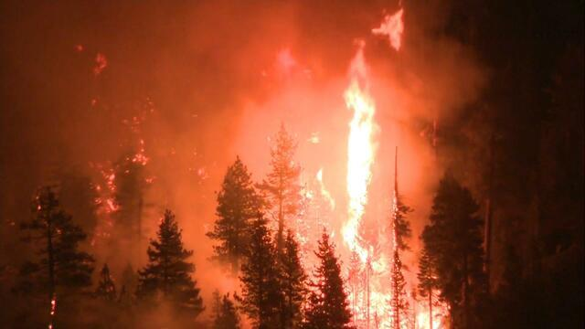 Fire spreading in Northern California sends residents fleeing