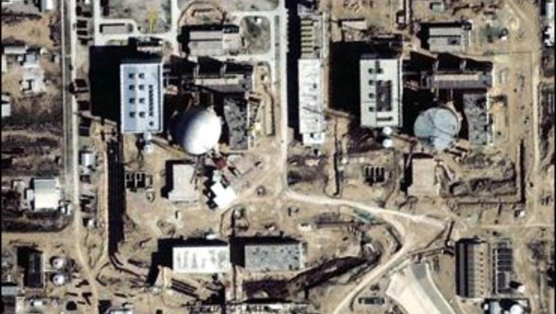 essay iran nuclear