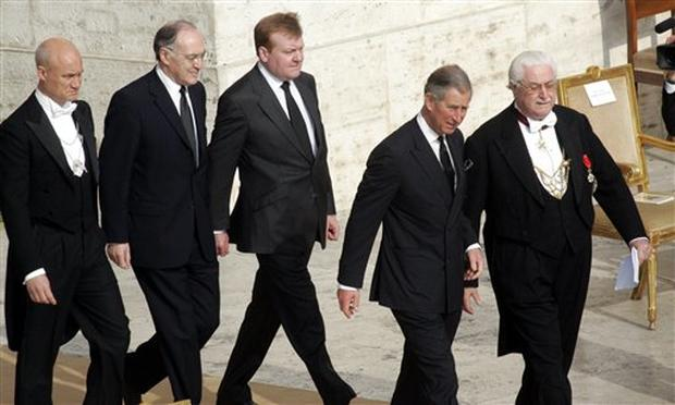 Dignitaries Pay Respects
