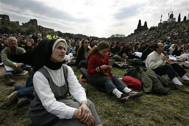 Crowds Watch