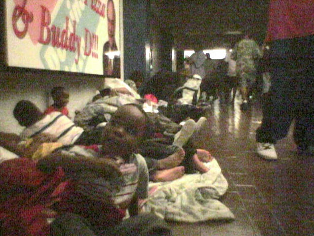 Hurricane Katrina Superdome - Photo 1 - Pictures - CBS News