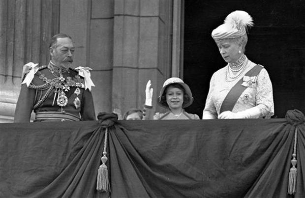 2016 britain s longest reigning monarch queen elizabeth ii through