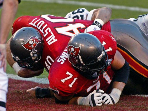 Super Bowl MVP - Super Bowl XXXVII - Pictures - CBS News | 620 x 465 jpeg 65kB