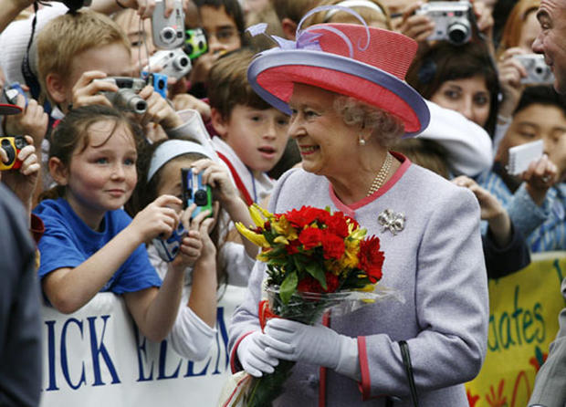 America Welcomes The Queen
