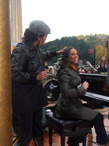 Behind The Scenes: Alicia Keys