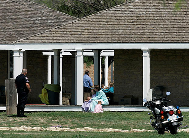 Polygamist Compound Raid