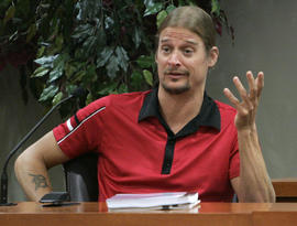 Robert James Ritchie, also known as Kid Rock, testifies, Thursday, Sept. 16, 2010, in a civil trial in Decatur, Ga., which a man claims Ritchie and members of his entourage beat him during an early-morning fight at a Waffle House in October 2007. (AP Photo/John Amis, pool)