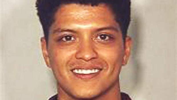 Mug shot singer arrested in las vegas on cocaine charge cbs news