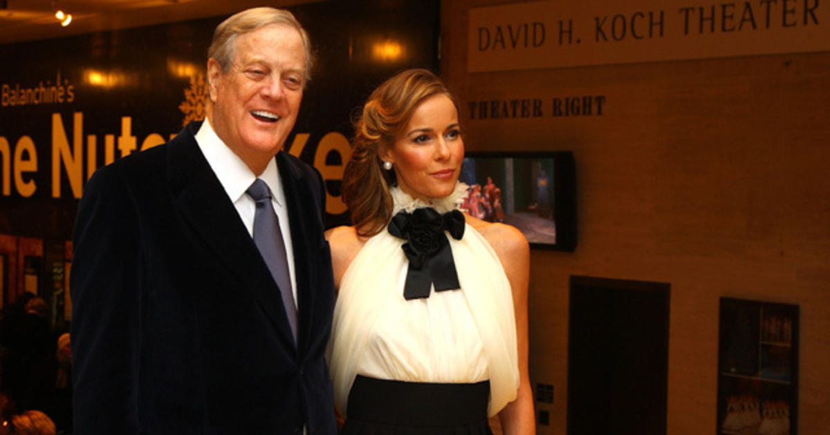 Koch brothers 39 network will drop almost 1 billion on 2016 for Charles und david koch