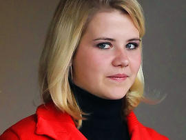 Elizabeth Smart Storms off During Trial