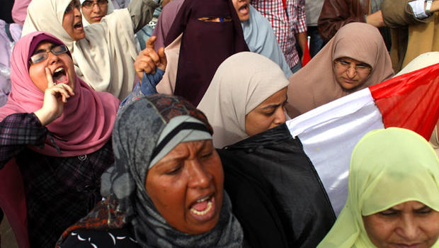 women protest in Cairo