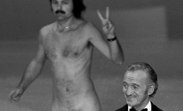 Ten bizarre Oscar moments
