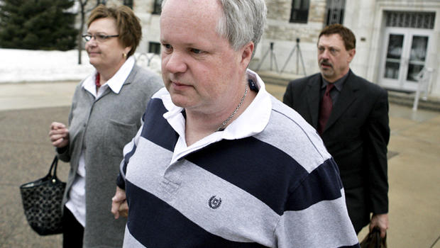 Ex-nurse who coaxed 2 to suicide gets year in jail