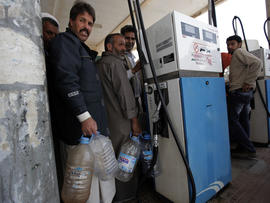 Libyans line up for gas in Ajdabiya