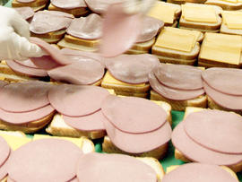 Border agents make bologna bust at NM crossing