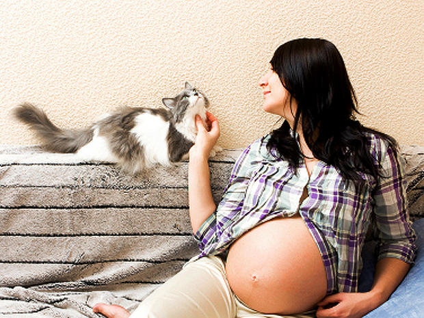 12 crazy myths about pregnancy