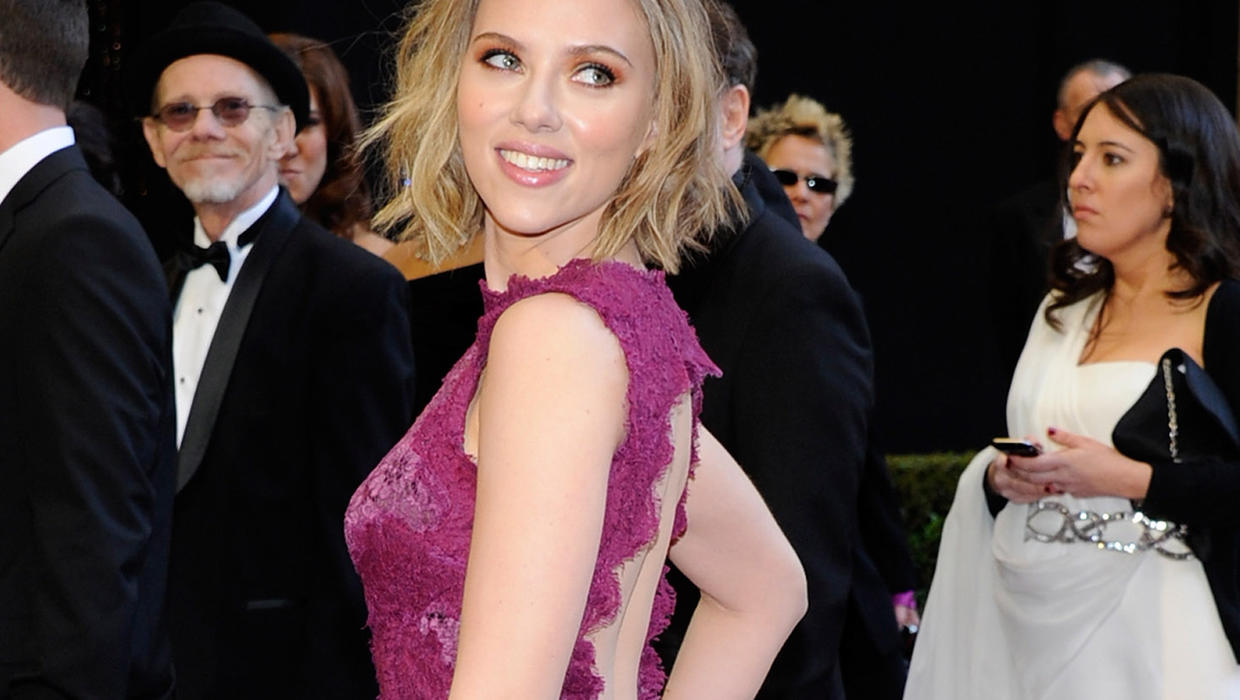 Nude photos of Scarlett Johansson Hacked By Hollywood