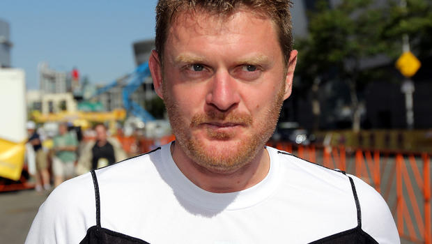 Cyclist Floyd Landis reaches deal on fraud counts - floyd_landis_100338314_fullwidth