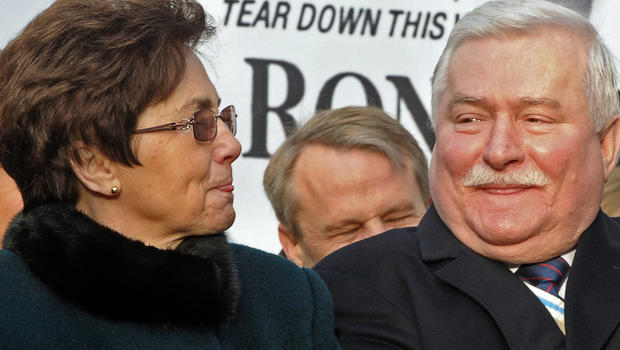 Lech News: Documents Show Lech Walesa Collaborated With Regime