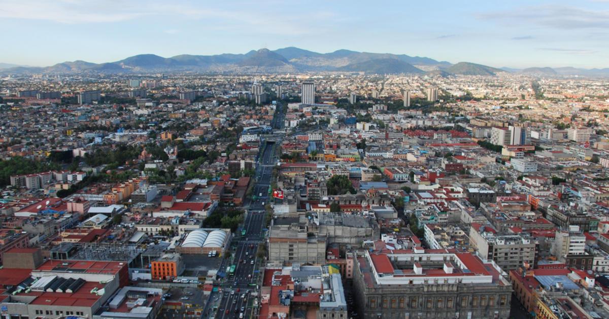 Earthquake shakes buildings in Mexico City - CBS News