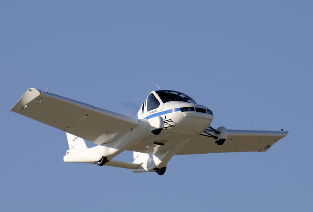 Terrafugia flying car debuts at NY Auto Show