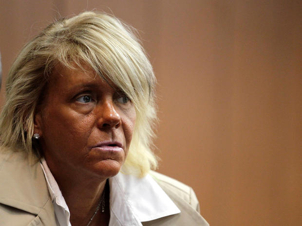 NJ mom accused of putting 6-year-old in tanning booth