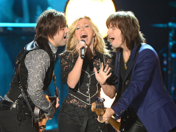CMT Awards 2012: Show highlights