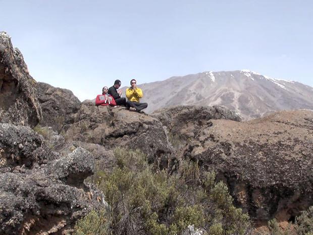 Man without legs climbs Mt. Kilimanjaro