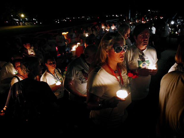 Elvis Presley candlelight vigil at Graceland