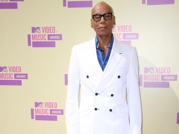 MTV Video Music Awards 2012 red carpet