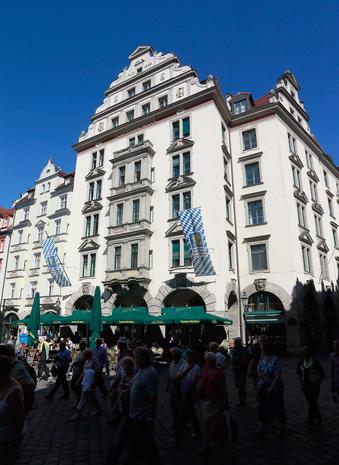 Munich prepares for Oktoberfest