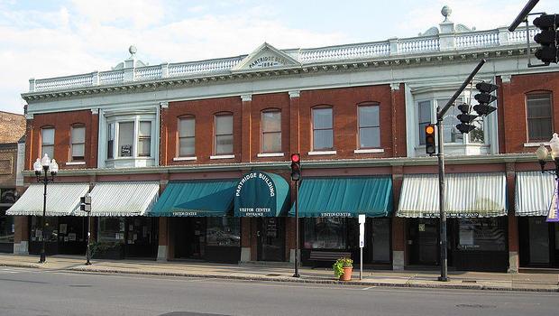 Citaten Seneca Falls : Surprising victim of the downturn small towns cbs news