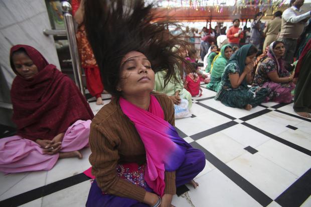 Hindus celebrate festival of lights