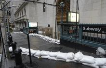 Hurricane Sandy: NYC fearing corrosive salt water storm surge