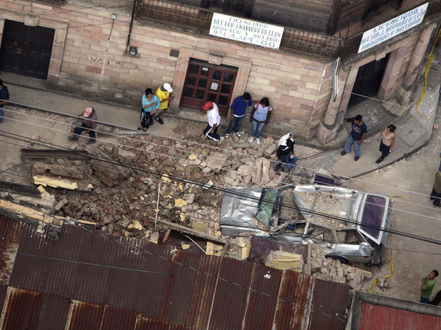 7.4-magnitude earthquake strikes Guatemala
