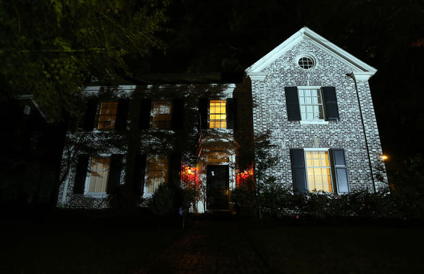 FBI search home of Petraeus' mistress