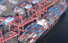 Seaport strike costing U.S. economy $1B a day