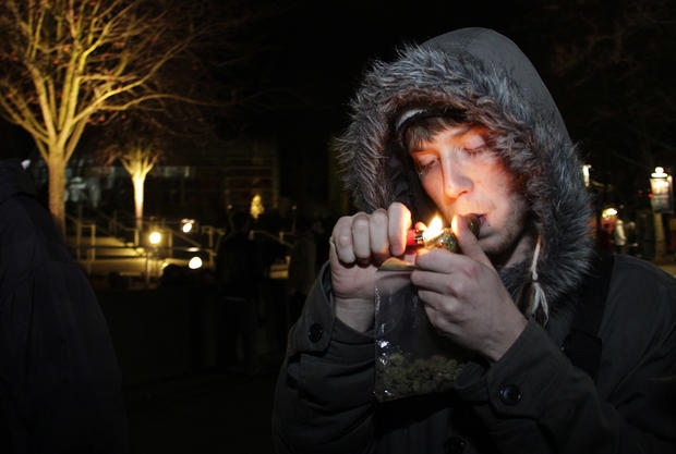 Smokers celebrate as Wash. legalizes pot