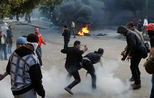 Riots mark 2nd anniv. of Egypt revolution