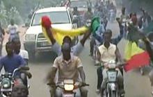 Mali govt. battles Islamists, regains control of two cities