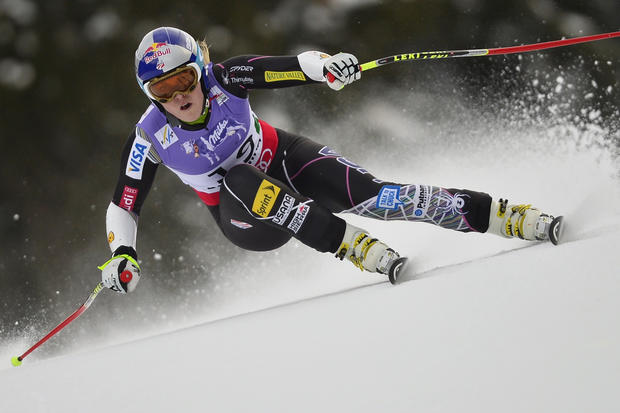 Lindsey Vonn air-lifted after ski crash