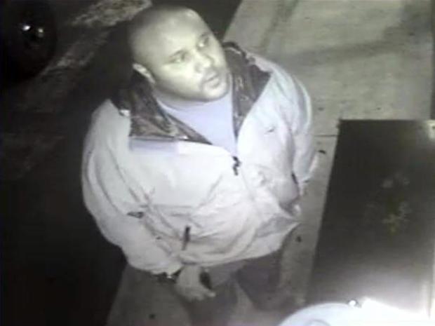 2013年1月28日,克里斯托弗·多纳(Christopher Dorner)在加利福尼亚州奥兰治县(Orange County)的一家酒店的监控录像中看到了这张由欧文警察局提供的图片。