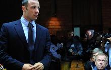 Oscar Pistorius out on bail
