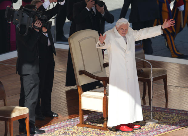 Pope Benedict XVI says goodbye