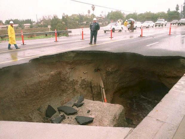 Giant sinkholes